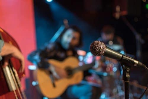 acoustic band at bar nightlife